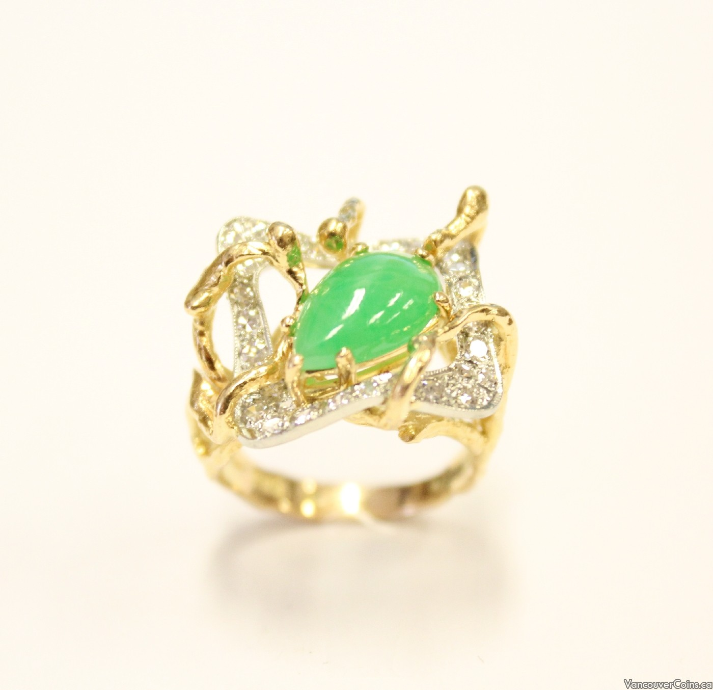 CAVELTI  18K yg ring Burmese Jade & 29 Diamonds VVS/VS G/I
