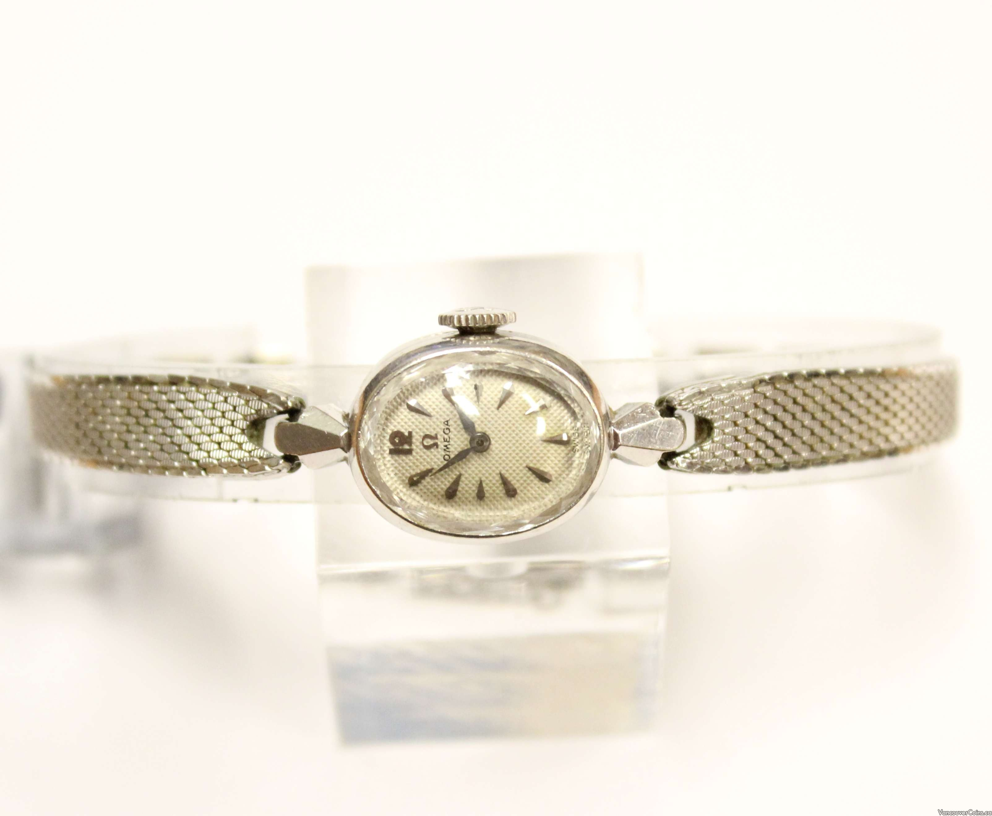 1956 Ladies Omega 14K wg watch 17J 481
