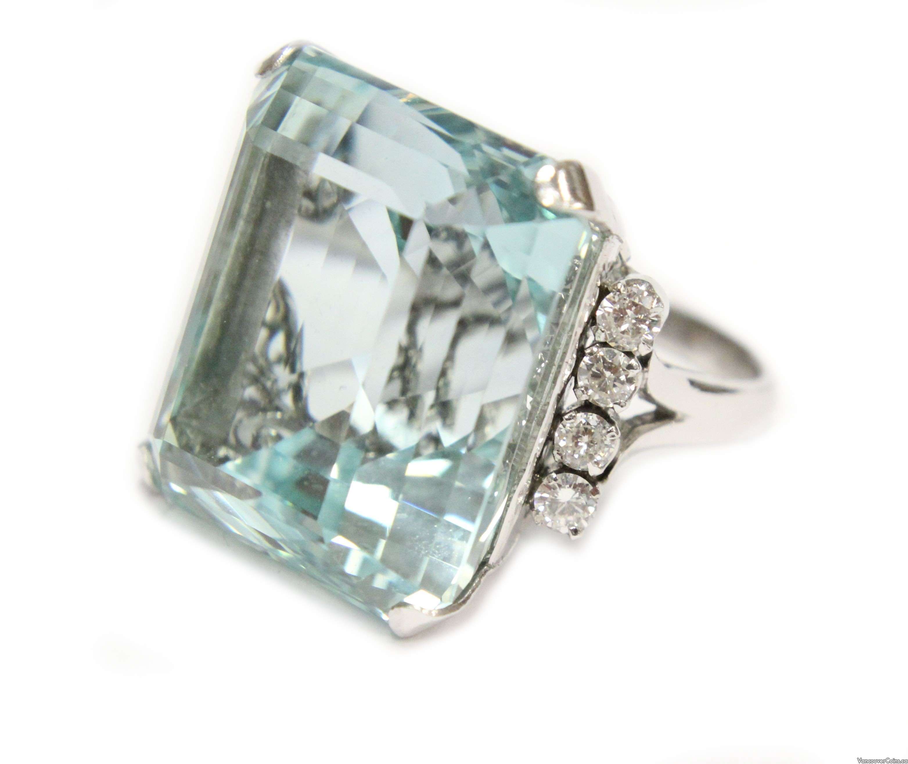 61.38 ct Intense greenish blue Aquamarine and white gold Diamond ring